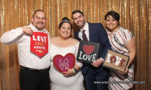 wegewood weddings lindsay grove photo booth rental