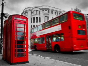 lonodn photo booth and double decker bus